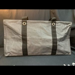 Thirty-one - Large Utility Tote - Charcoal Cross